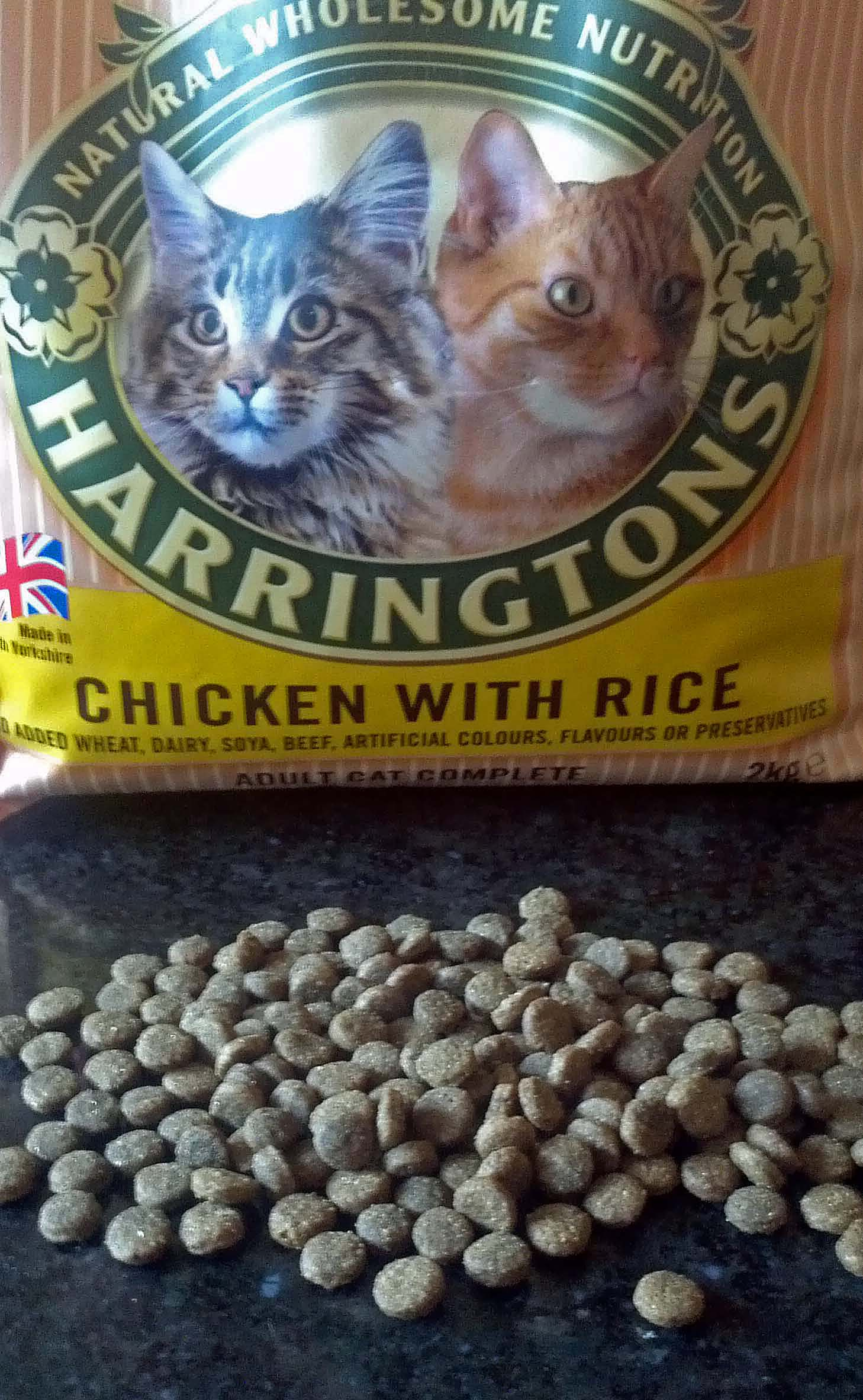 Review Harringtons Cat Food Chicken With Rice Bark Time