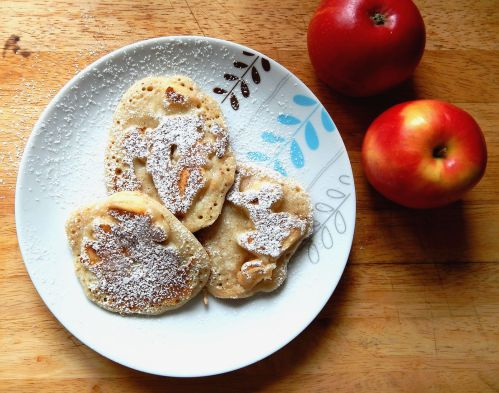 Regis Stone Non-Stick Breakfast Challenge -- Apple & Cinnamon Pancakes