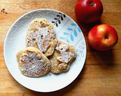 Regis Stone Non-Stick Breakfast Challenge -- Apple & Cinnamon Pancakes
