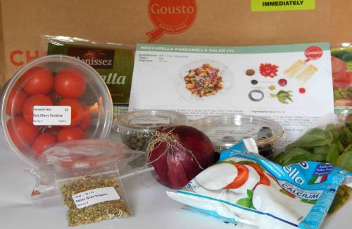 Cooking with Gousto – Ingredients for Mozzarella Panzanella Salad