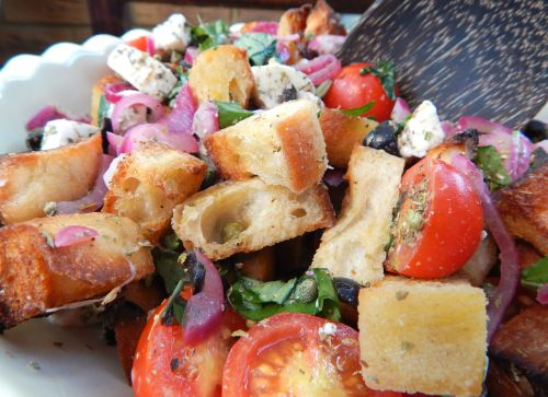 Cooking with Gousto - Mozzarella Panzanella Salad