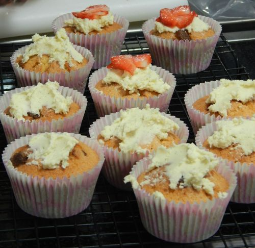 Turkish Delight & White Chocolate Cupcake baked by Rose from Freycob