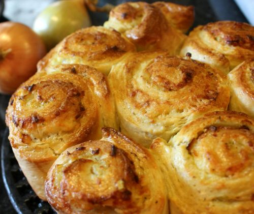 What's Cooking - Breakfast Cheese and Onion Rolls