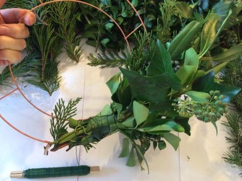 4. How To Make A Fresh Green Christmas Wreath