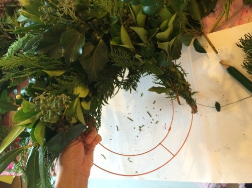 5. How To Make A Fresh Green Christmas Wreath