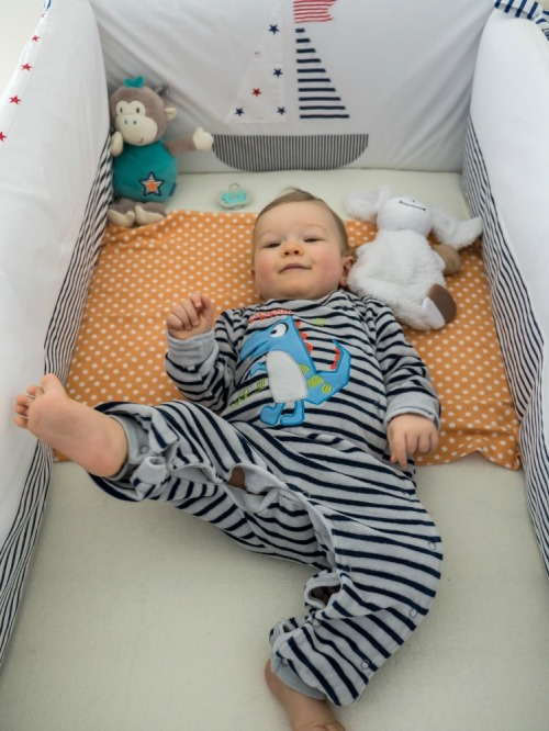 Baby #ootd – Comfy at Home for Stripe Lovers - Nap time